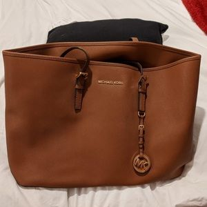 Michael Kors Jet set handbag